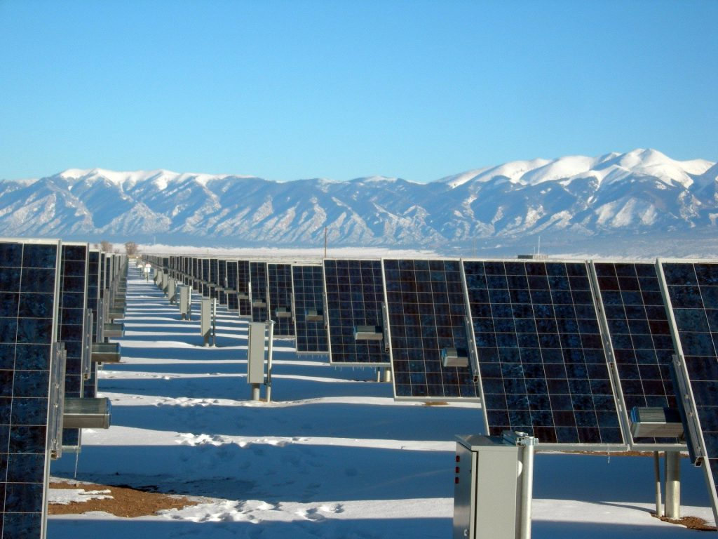 solar panels in snow - del sol energy